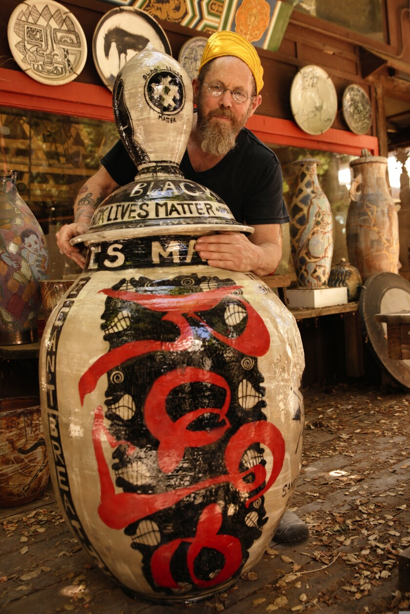 Leeds love to create large urns.