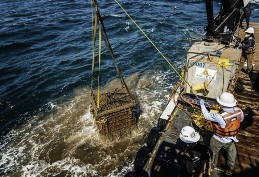 Up comes a batch of wine from the bottom of the ocean.