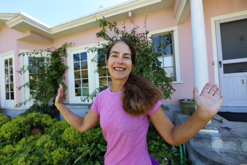 With roots in Silicon Valley, Sara Isenberg founded the Santa Cruz Tech Beat website in 2013.