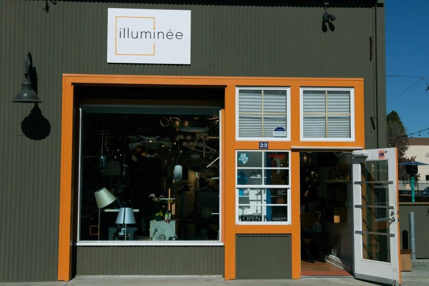 Illumninee store front
